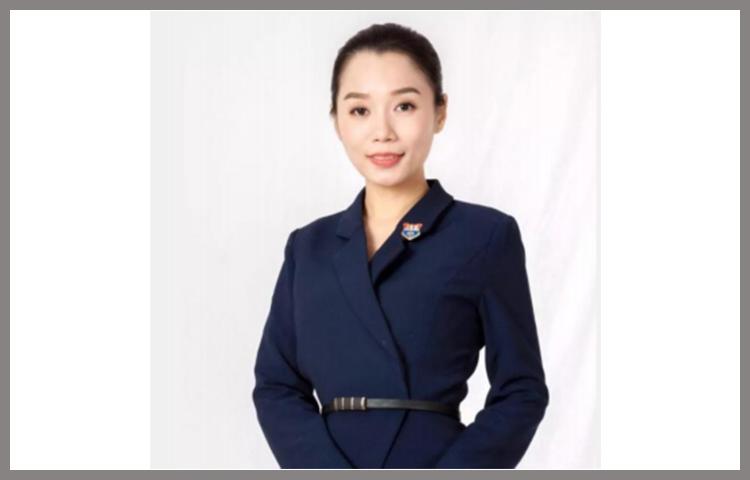 姜卓含-礼仪老师