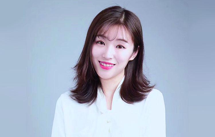 唐子怡-青藤艺考负责人 中央戏剧学院毕业